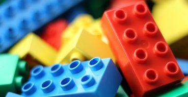 Lego convida público a reconstruir o mundo